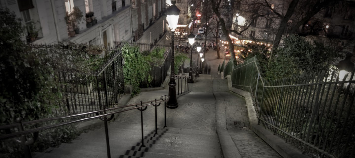 walking-down-montmartre-paris-soler